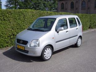 Opel Agila 1.2 16V Comfort.